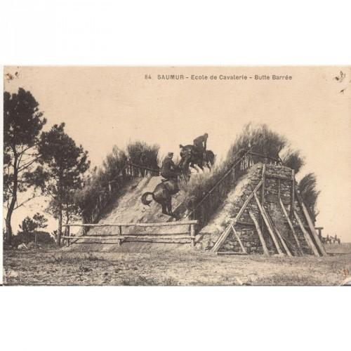 CPA Saumur Ecole de Cavalerie -Butte Barrée
